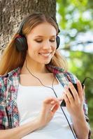 apreciando música e ar fresco.