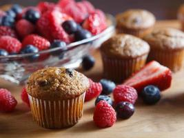 muffins de frutas frescas foto
