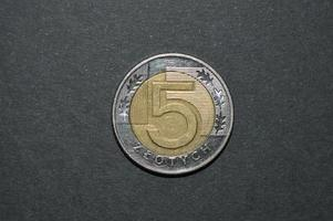 moeda de cinco zloty polonês dinheiro pln foto