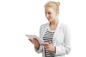 mulher de negócios com tablet digital foto