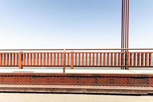 trilhos do portão dourado foto