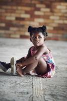 criança africana rural foto