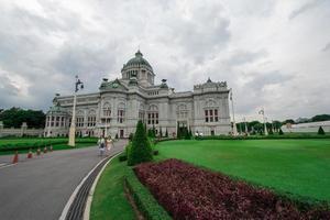 salão do trono de ananda samakhom foto