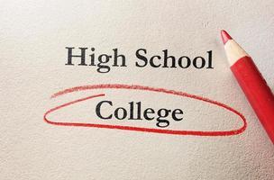 círculo vermelho da faculdade foto