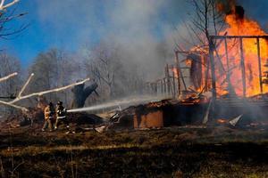 incêndio em casa foto