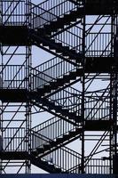 escadas de saída de emergência foto