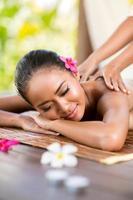 massagem ao ar livre foto