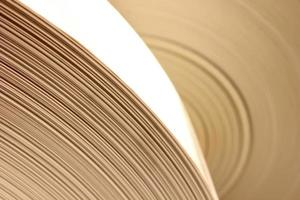 close-up de várias páginas de papel em branco foto