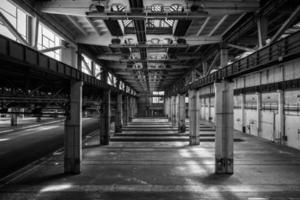 grande salão industrial de uma estação de reparo foto