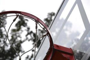 close-up do gol de basquete foto