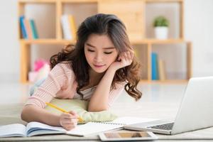 fazendo lição de casa