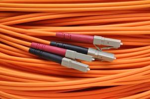 cabo óptico de rede de computadores foto