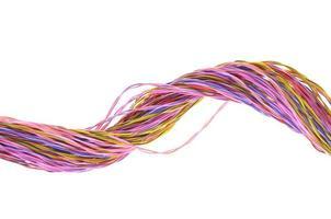 monte de fios coloridos de computador foto