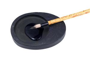 escova de escrita tradicional asiática para caligrafia foto