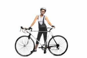 retrato de jovem desportista caucasiano profissionalmente equipado em pé com bicicleta foto