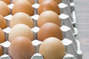 ovo, ovo de galinha na embalagem. foto