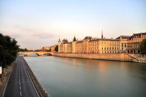paisagem urbana de paris sena foto