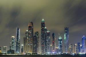 skyline de marina de dubai foto
