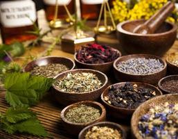medicina natural, ervas argamassas foto