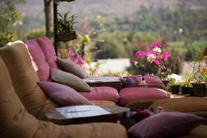 relaxar cadeiras ao ar livre foto