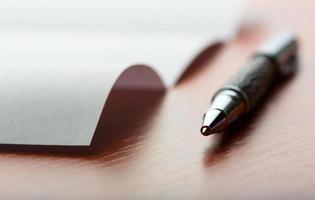 carta e caneta foto
