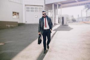 homem de negócios fora foto