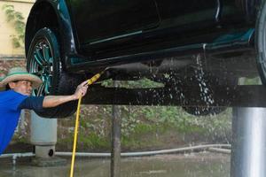 lavagem de carro do serviço de centro foto