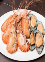 close-up de mistura de frutos do mar foto