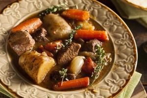ensopado de carne irlandês caseiro foto
