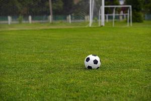 bola de futebol de couro foto