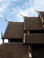 telhado do templo foto