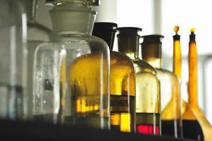 série médica de frascos de vidro foto