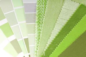 seleção de estofados, cortinas e cores para interiores foto