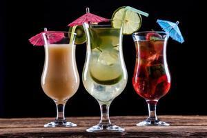 bebidas saborosas frescas foto