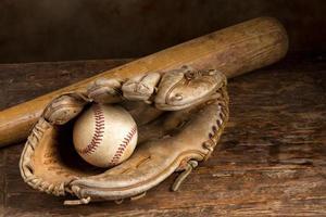 luva de beisebol de couro foto