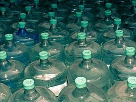 recipientes de água potável foto