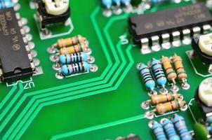 detalhe de uma placa de circuito impresso eletrônico foto