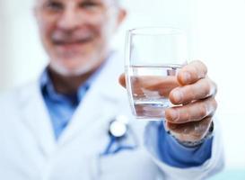 água potável e saúde foto