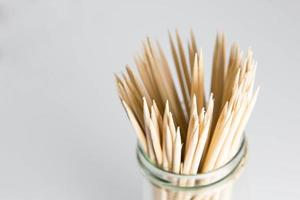 espetos de bambu foto