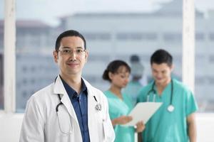 equipe de equipe médica multi-étnica foto