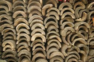 telhas em terracota foto