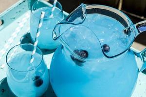 refrescante mirtilo limonada bebidas de verão foto