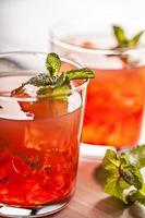 bebida fria de verão frio vermelho