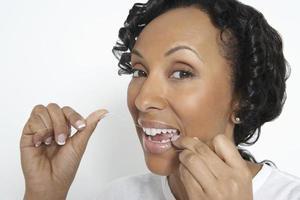 mulher, dentes fio dental, estúdio, tiro