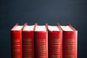 livros vermelhos foto