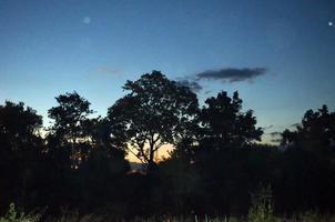 pôr do sol insuperável em eldorado foto