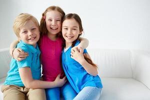 crianças alegres foto