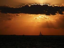 pôr do sol em key west foto