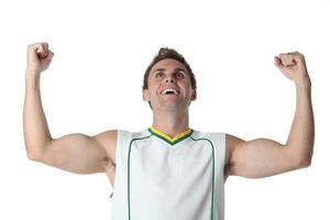 atleta torcendo