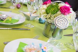 mesa de páscoa alegre
